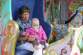 Met oma in de carrousel